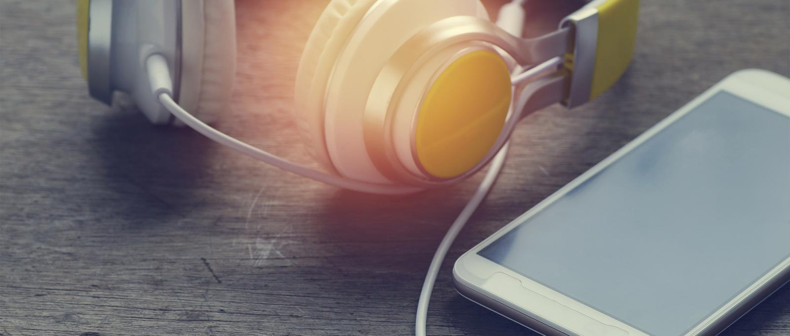 Podcast Primer: The Ultimate Mobile-Friendly Method to Deliver Content Marketing